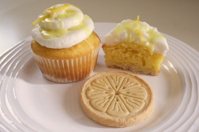 girl_scout_cookie_cupcakes_lemonades_17