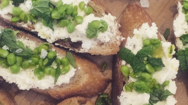 Smashed Spring Peas w Ricotta and Mint Crostini