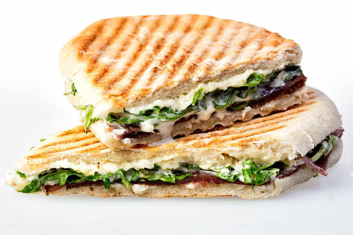 sandwich shop business plan Developing a business plan for running a sandwich shop how do i find my niche if you want to find a niche in the marketplace, visit similar venues and consider what you do and don't like about their business.